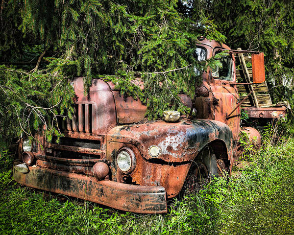 Photograph - International L 185 Roadliner - Undercover by Gary Heller