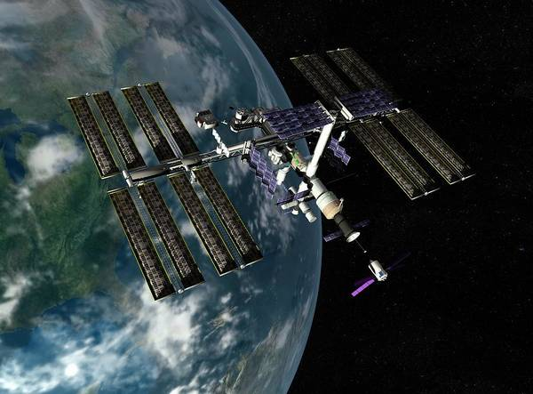 International Space Station Photograph - International Space Station by Paul Wootton/science Photo Library