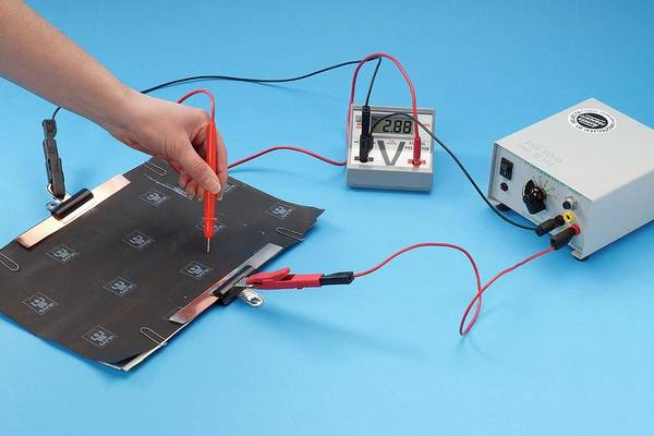 Classroom Photograph - Investigating Equipotentials by Trevor Clifford Photography