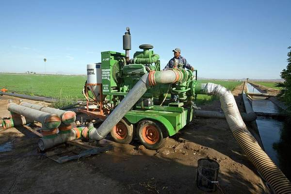 Yuma Photograph - Irrigation Pump by Jim West