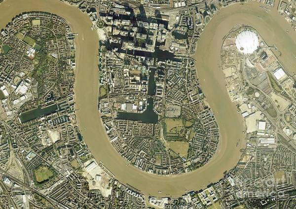 Road Map Photograph - Isle Of Dogs, Aerial Photograph by Getmapping Plc