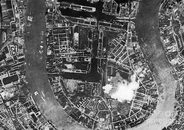 Road Map Photograph - Isle Of Dogs, London, Historical Aerial by Getmapping Plc