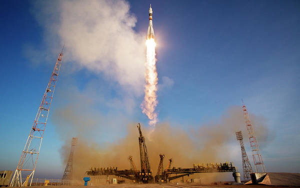 2010s Wall Art - Photograph - Iss Expedition 46 Launching by Nasa/joel Kowsky