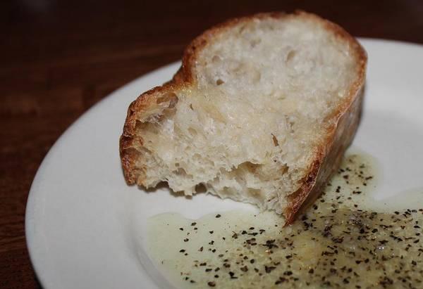 Photograph - Italian Bread And Dipping Oil by Cynthia Guinn