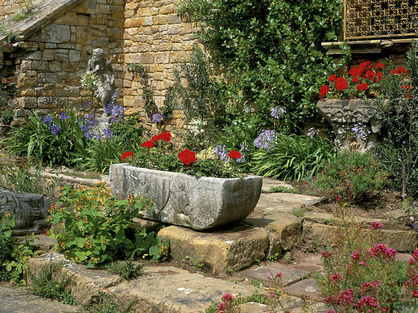 Castle Garden Photograph - Italian Garden At Hever Castle by Anthony Cooper/science Photo Library