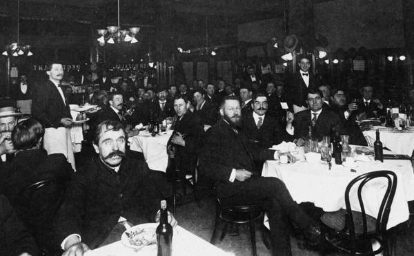 Italian Immigrants Wall Art - Photograph - Italian Restaurant, 1909 by Granger