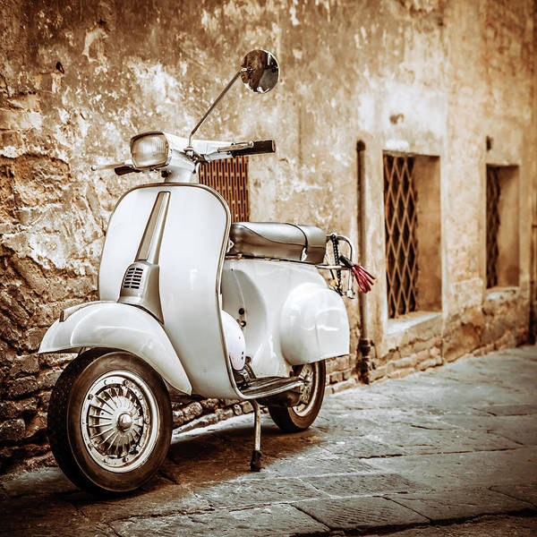 Wall Art - Photograph - Italian Scooter In Grungy Alley by Giorgiomagini