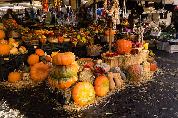 Photograph - Italian Thanksgiving Harvest At Campo De Fiori In Rome Italy by Georgia Mizuleva