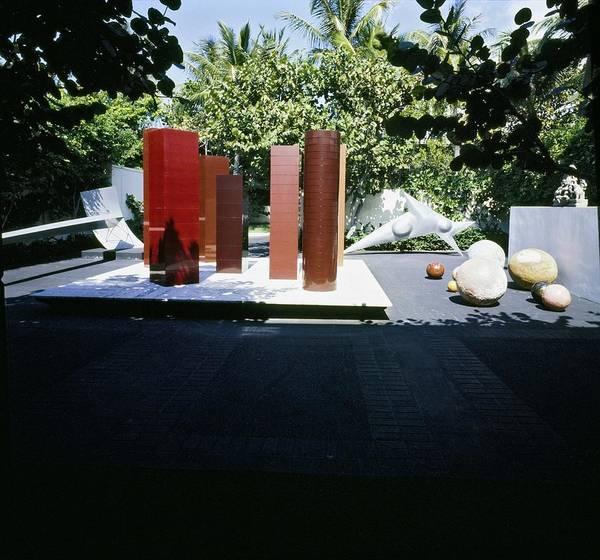 Modernist Photograph - J. Patrick Lannan's Sculpture Collection by Horst P. Horst