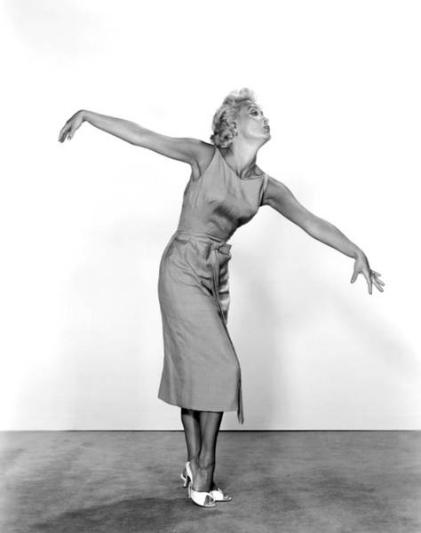 Drunk Photograph - Jane Powell by Underwood Archives