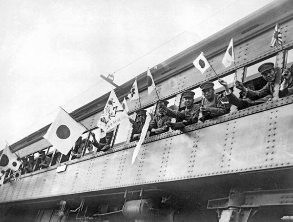 Chinese Flag Photograph - Japanese Troops To Manchuria by Underwood Archives