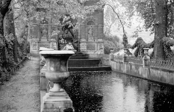 Photograph - Jardin De Medicis Paris by Dave Beckerman