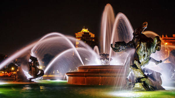 Wall Art - Photograph - J.c. Nichols Memorial Fountain - Night by Kevin Anderson