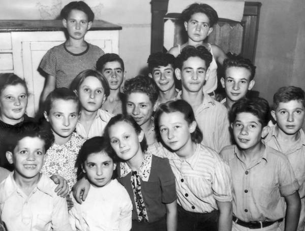 Jewish Wwii Orphans In Germany Art Print
