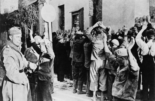 Wall Art - Photograph - Jews Rounded Up In Warsaw, Sept. 10 by Everett