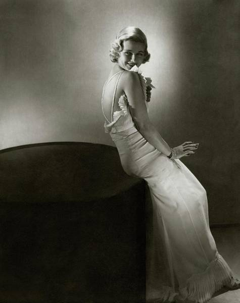 Celebrities Photograph - Joan Bennet Looking Over Her Shoulder by Edward Steichen