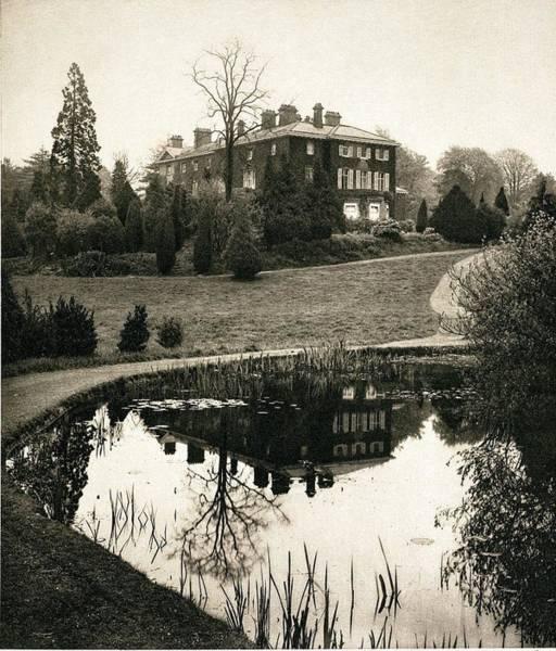 Elm Photograph - John Lubbock High Elms Home Nr Darwin by Paul D Stewart