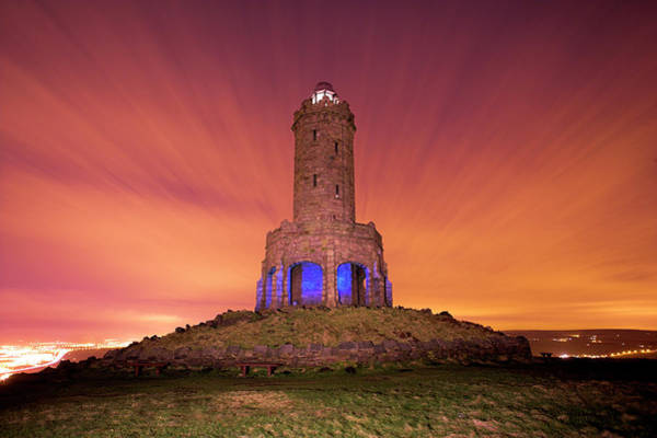 Victoria Tower Wall Art - Photograph - Jubilee Tower At Night by Simon Booth/science Photo Library