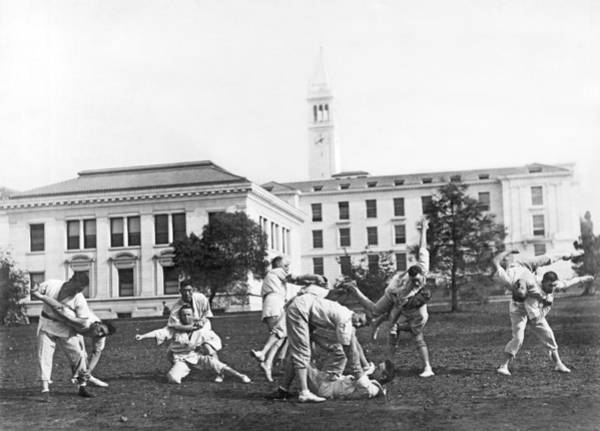 1890s Wall Art - Photograph - Judo At Uc Berkeley by Underwood Archives