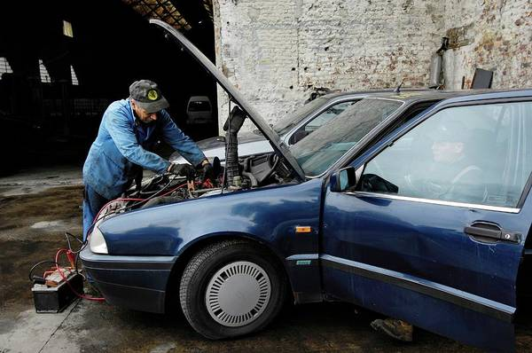 Cabling Photograph - Jump-starting A Car by Roger Job/reporters/science Photo Library