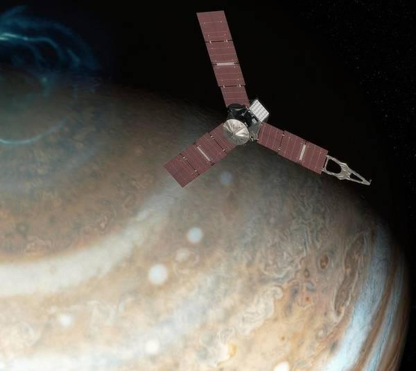 Jet Propulsion Laboratory Photograph - Juno Spacecraft At Jupiter by Nasa/jpl-caltech