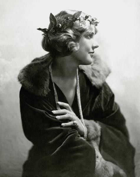 1920 Photograph - Justine Johnstone Wearing A Laurel Wreath by Geisler & Andrews