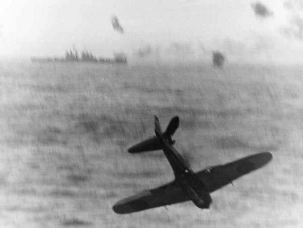 Japanese Zero Photograph - Kamikaze Attack In World War II by Us Navy/us National Archives/science Photo Library