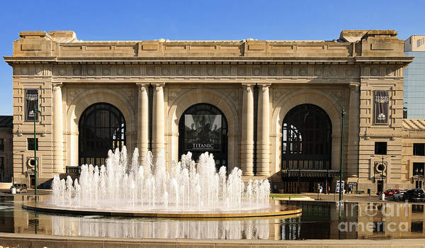 Photograph - Kansas City Fountain At Union Station by Andee Design