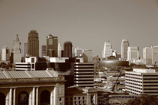Photograph - Kansas City Skyline 10 by Frank Romeo