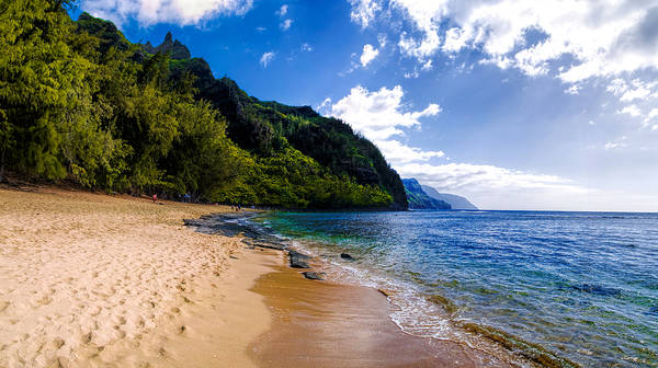 Photograph - Ke'e Beach by Gordon Engebretson