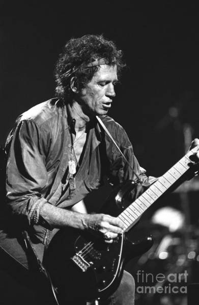 Headband Photograph - Keith Richards by Concert Photos