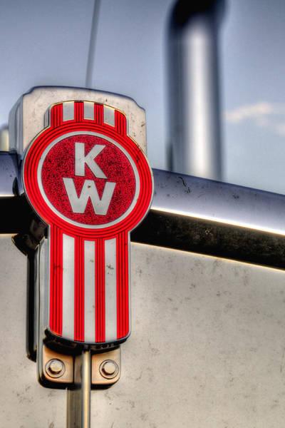 Kenworth Photograph - Kenworth Hood Logo 34709 by Jerry Sodorff