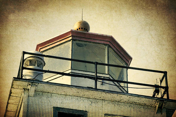 Photograph - Kewaunee Lantern Room by Joan Carroll