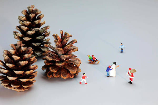 Model Trains Painting - Kids Merry Christmas By Pinecones by Paul Ge