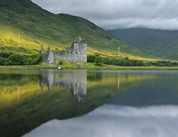 Photograph - Kilchurn Castle At Sunrise by Stephen Taylor