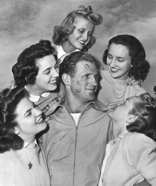 Ww Ii Photograph - Kissoff For The Navy by Underwood Archives