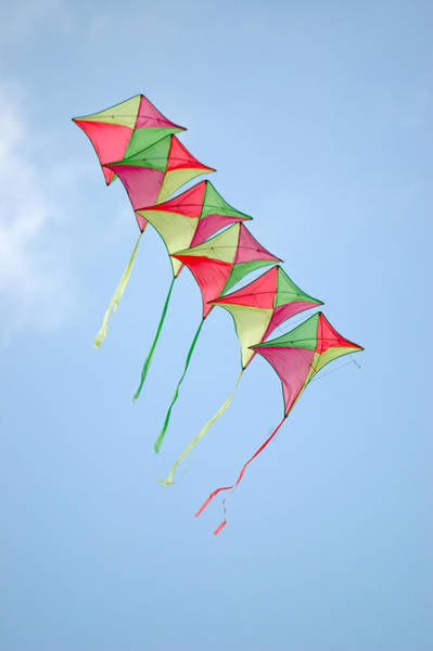 Photograph - Kite Chain by Rob Huntley