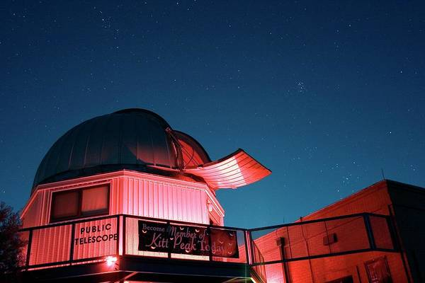Dome Peak Photograph - Kitt Peak Public Observatory by Babak Tafreshi/science Photo Library