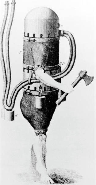 Diving Suit Photograph - Klingert's Early Diving Suit by Science Photo Library