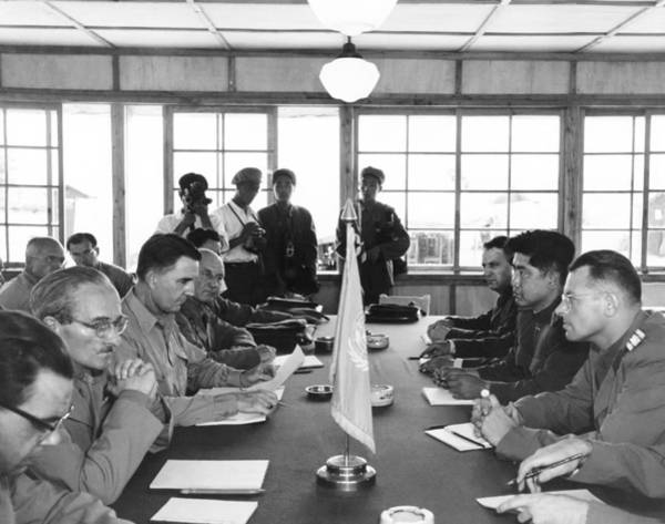 Wall Art - Photograph - Korean Armistice Meeting by Underwood Archives