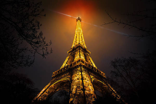 Tall Photograph - La Tour Eiffel by Clemens Geiger