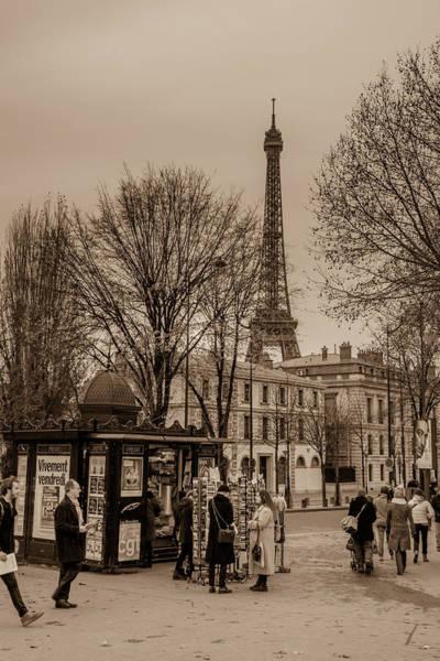Wall Art - Photograph - La Tour Eiffel by W Chris Fooshee