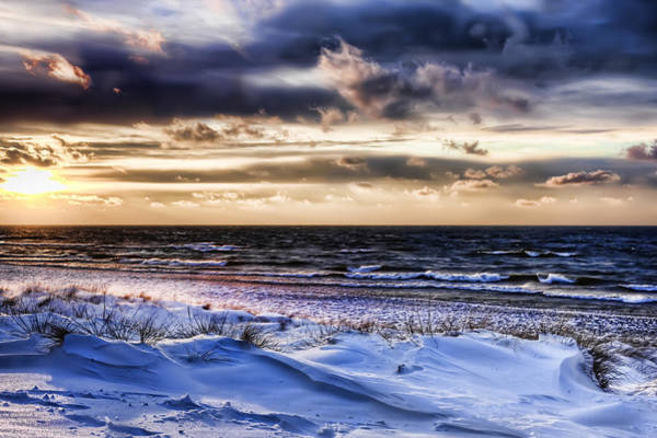 Photograph - Lake Effect Saugatuck Michigan by Evie Carrier