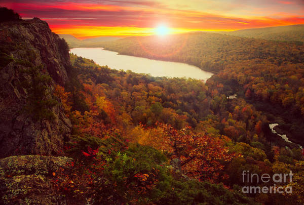 Upper Peninsula Wall Art - Photograph - Lake Of The Clouds by Todd Bielby