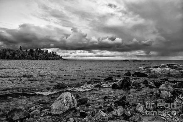Photograph - Lake Superior In The Evening B W by Les Palenik