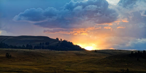 Photograph - Lamar Valley Sunset by Lars Lentz