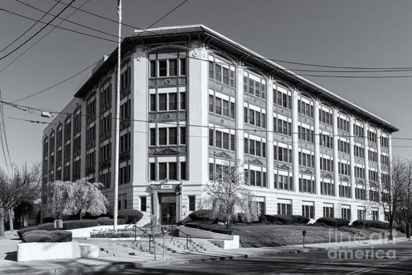Photograph - Landmark Life Savers Building II by Clarence Holmes