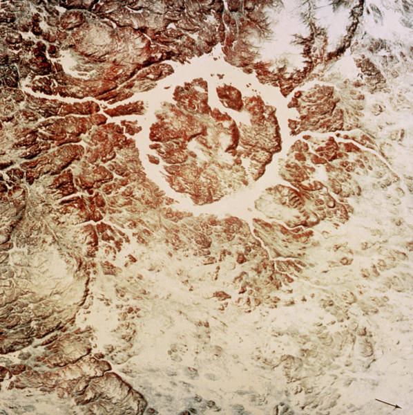 Meteor Crater Photograph - Landsat 1 Photo Of Manicouagan Reservoir by Nasa/science Photo Library