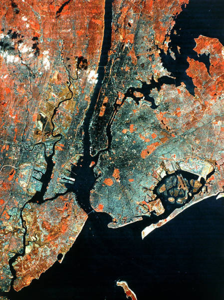 Long Island City Photograph - Landsat Infrared Image Of New York City by Mda Information Systems/science Photo Library