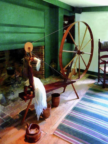 Photograph - Large Spinning Wheel by Susan Savad